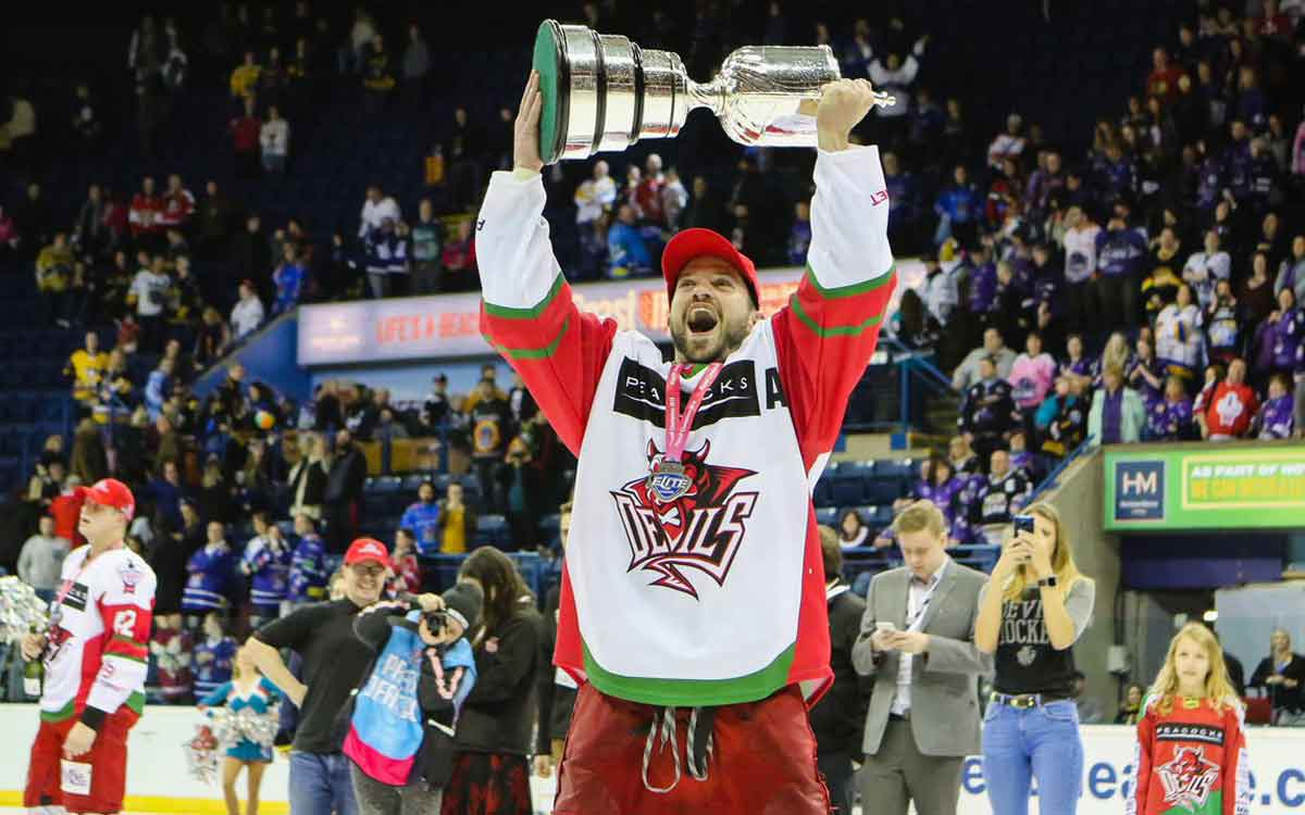 Joey Martin with EIHL championship trophy