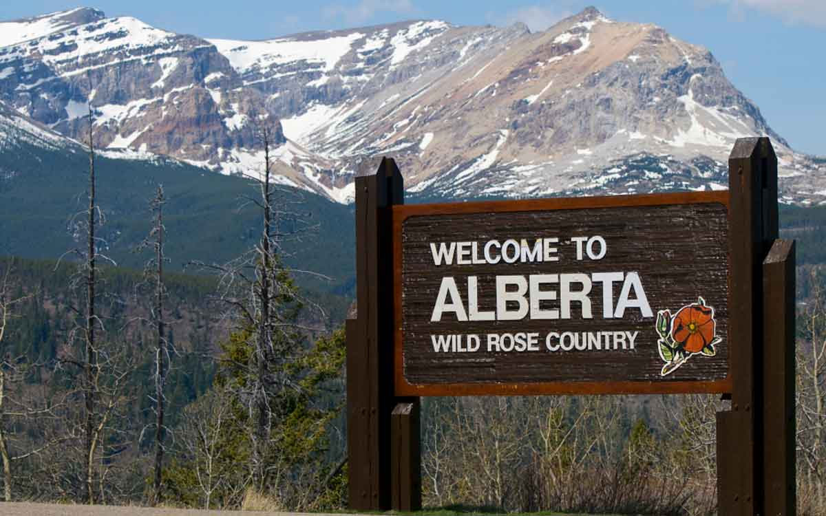 Alberta welcome sign