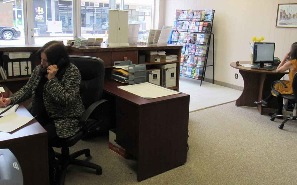 Staff at the Welland Chamber of Commerce Office making calls