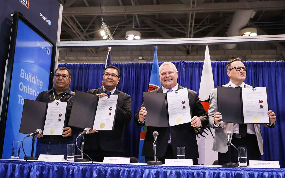 Premier Doug Ford and Greg Rickford, Minister of Energy, Northern Development and Mines and Minister of Indigenous Affairs, Chief Bruce Achneepineskum of Marten Falls First Nation and Chief Cornelius Wabasse of Webequie First Nation