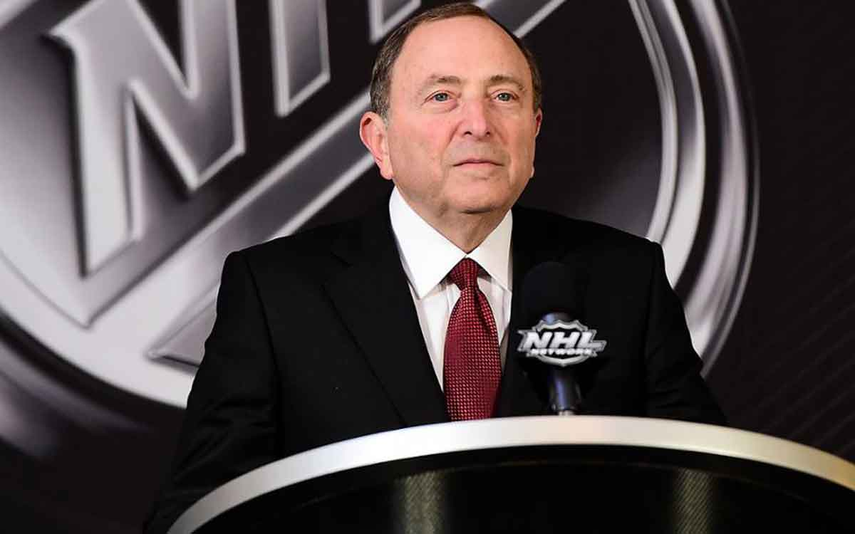 gary bettman at a podium