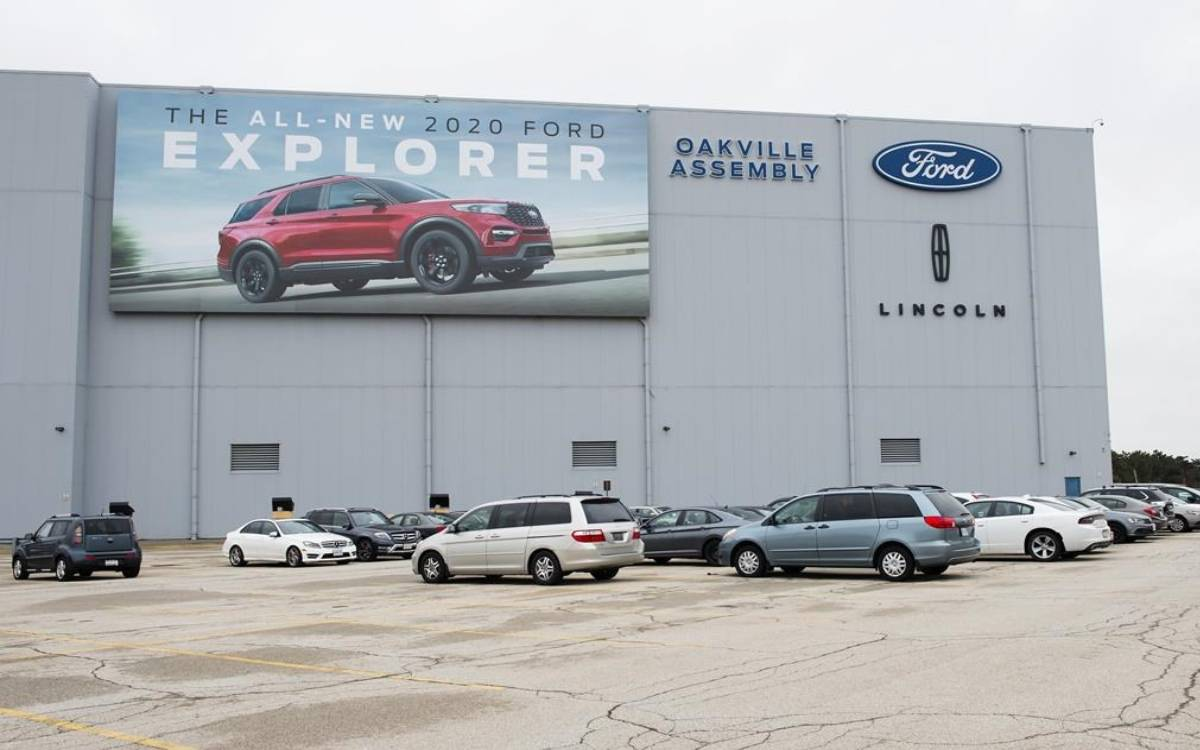 the ford plant in oakville, ontairio