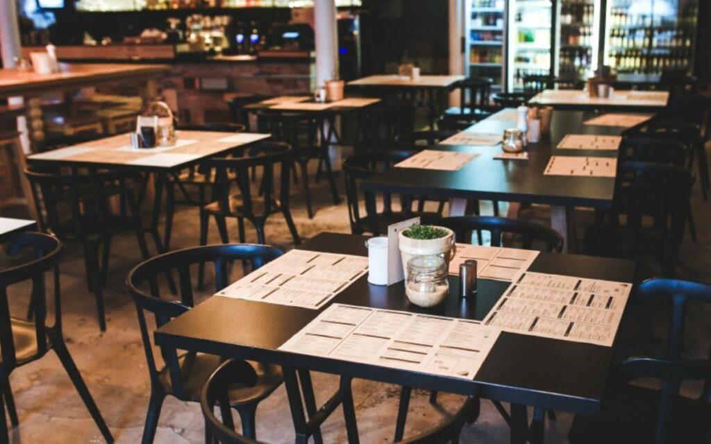 an empty restaurant