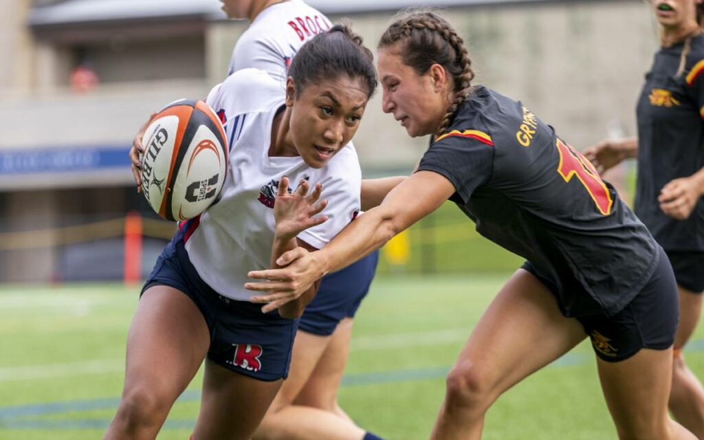 laura mateo playing rugby