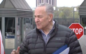 Schumer comes to Niagara Falls to push border reopening plan
