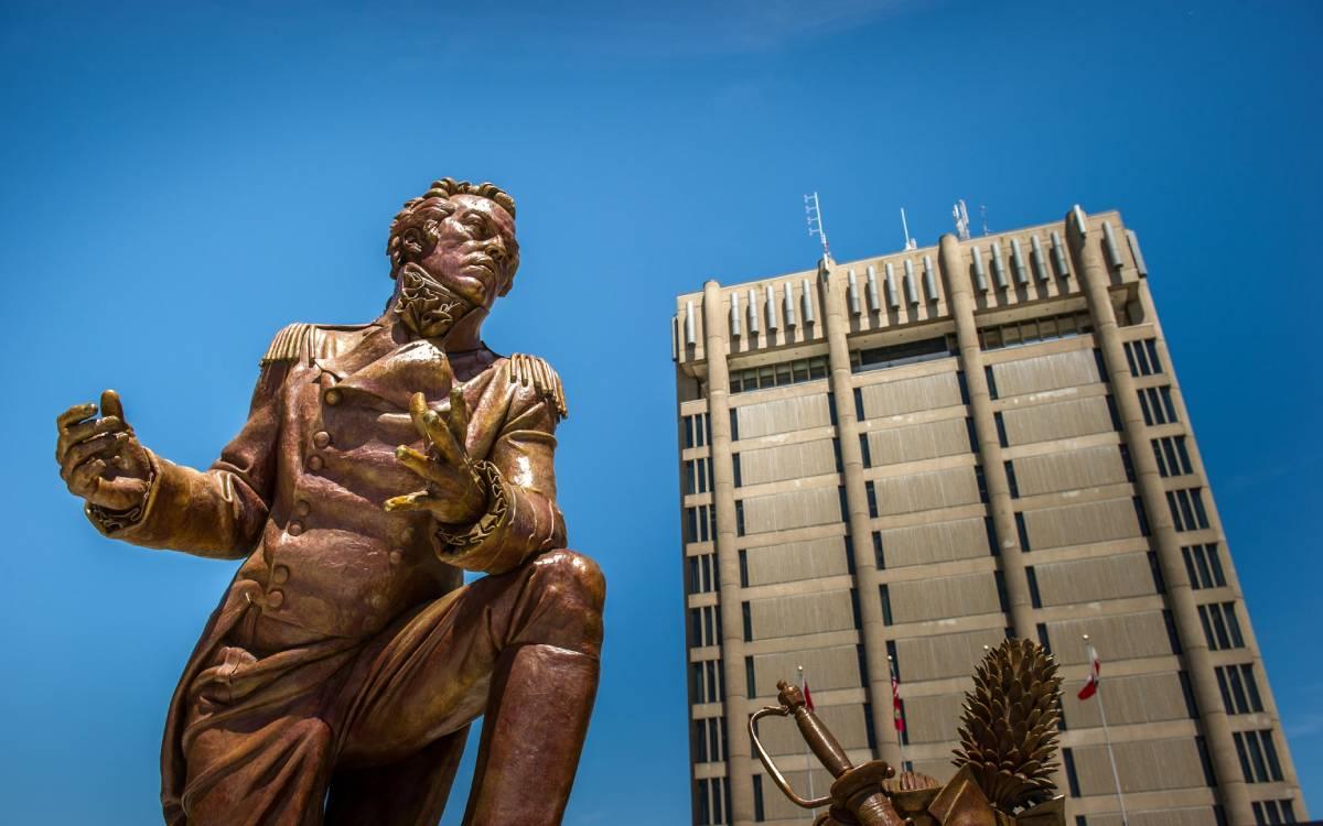 Sir Issac Brock statue