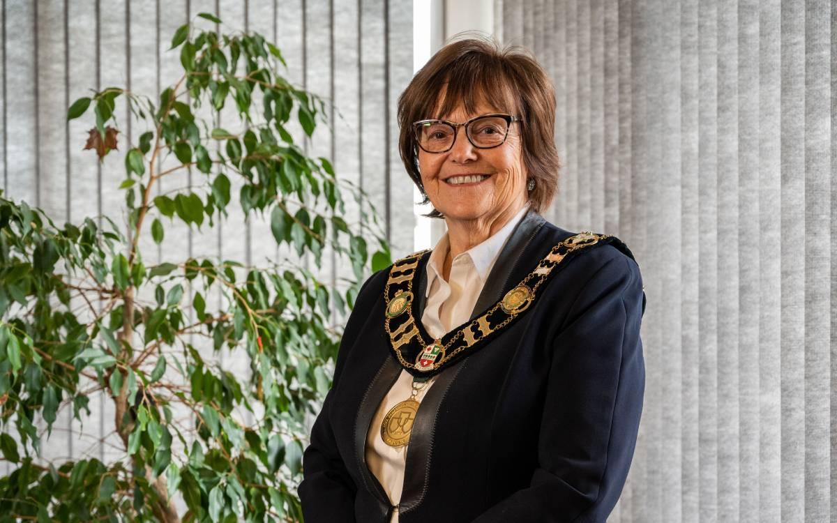 Mayor Sandra Easton