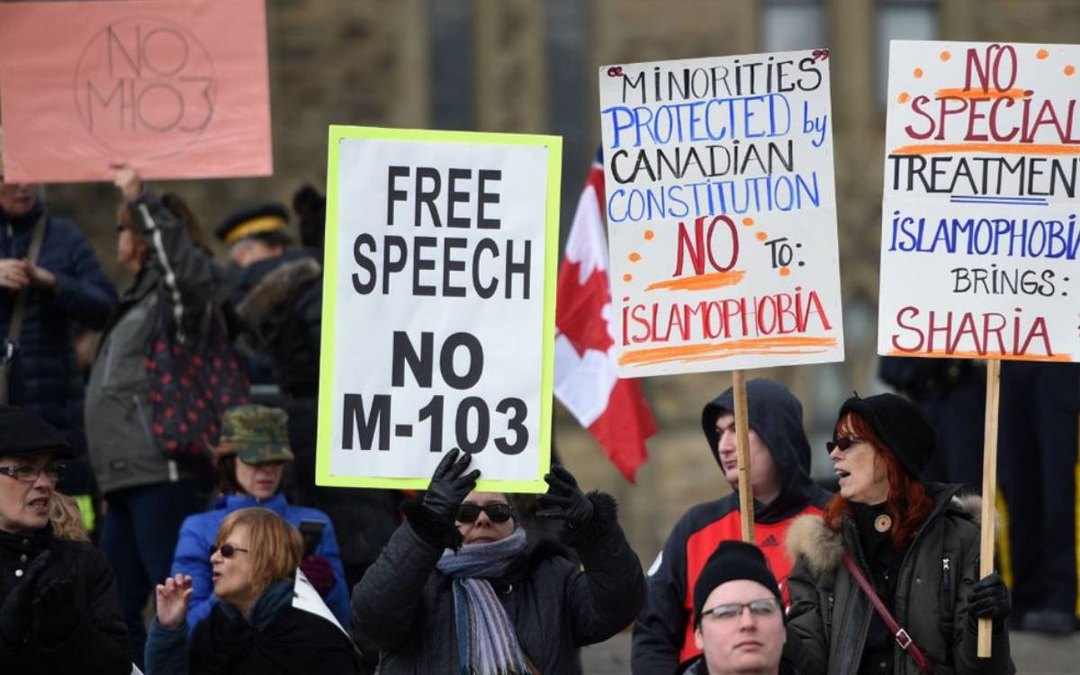 people at a free speech rally