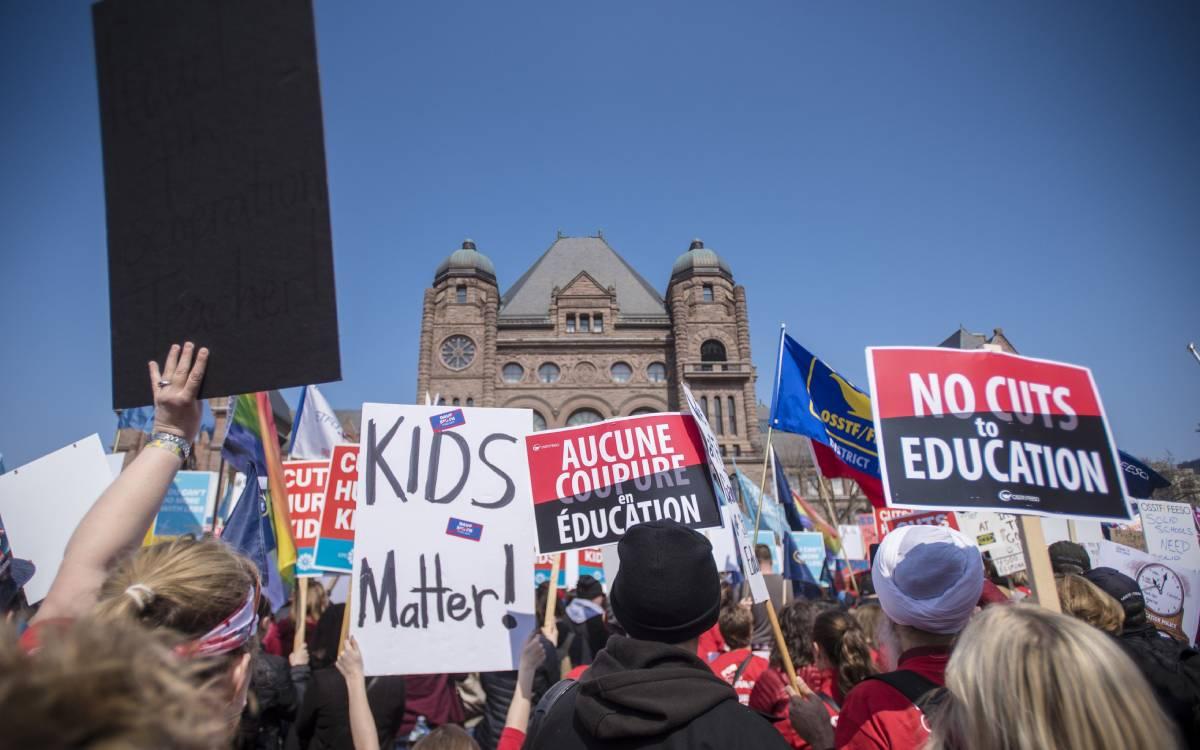 Ontario teachers' unions protest